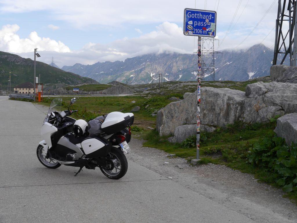 Gotthard Passhöhe Blick nach Süden
