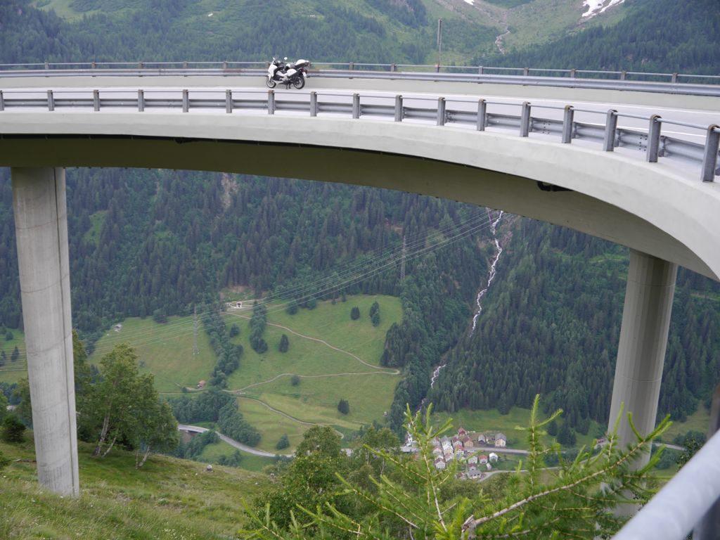 Gotthard - Bedretto-Kurve - Blick ins Tal