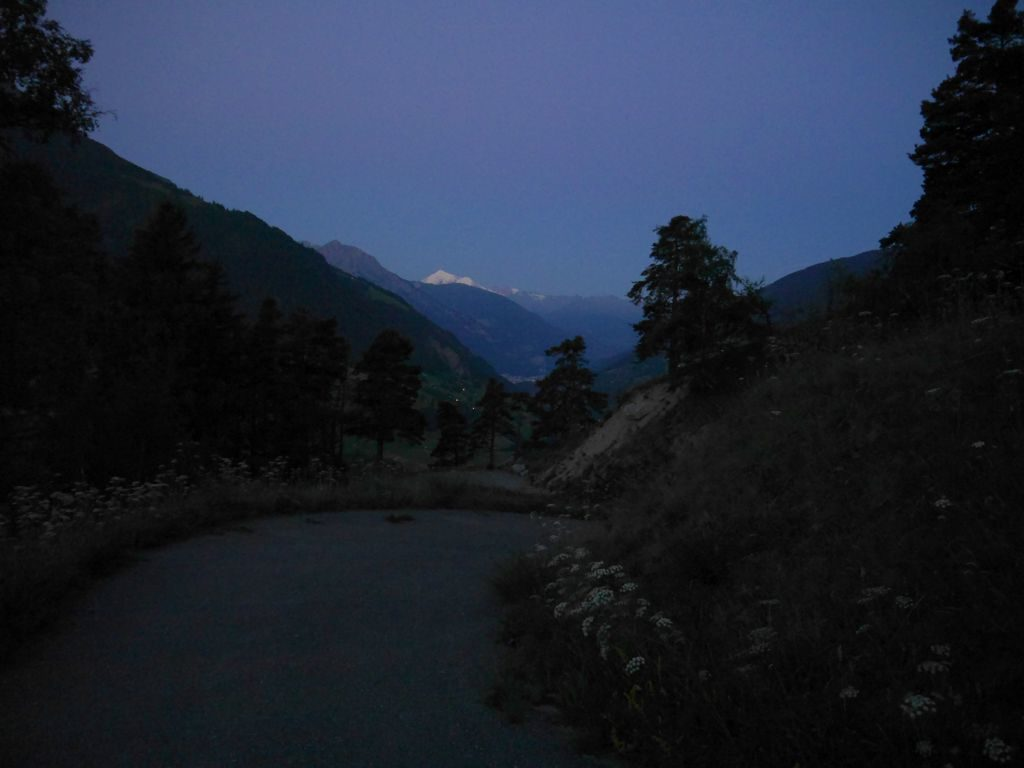 Brig - Wallis - Morgengrauen mit Blick auf Matterhorn